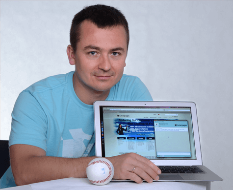 Mariusz Cieply, CEO at LiveChat, presents Lunarpages' website