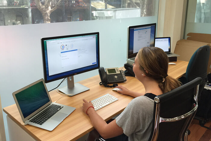 EasyCompanies agent at work