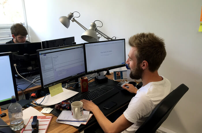 The Chat Shop agent at work with LiveChat