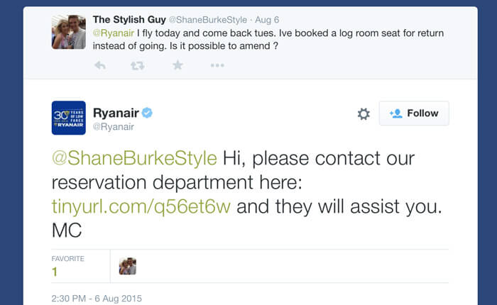 Ryanair uses chat links in their tweets
