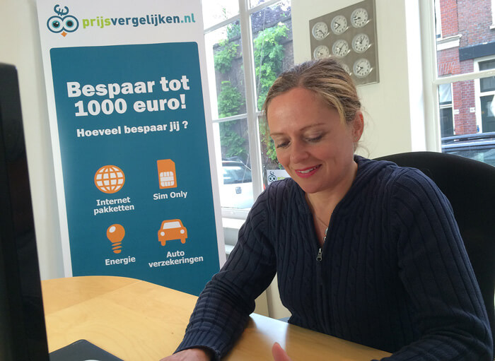 One of Prijsvergelijken.nl agents at work with LiveChat