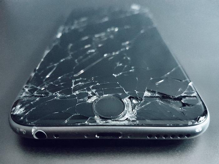 massively broken iPhone 6s